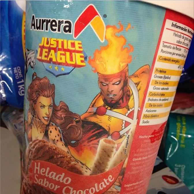 Aurrera Helado Sabor Chocolate - Chocolate Ice Cream with Justice League Firestorm and Cheetah