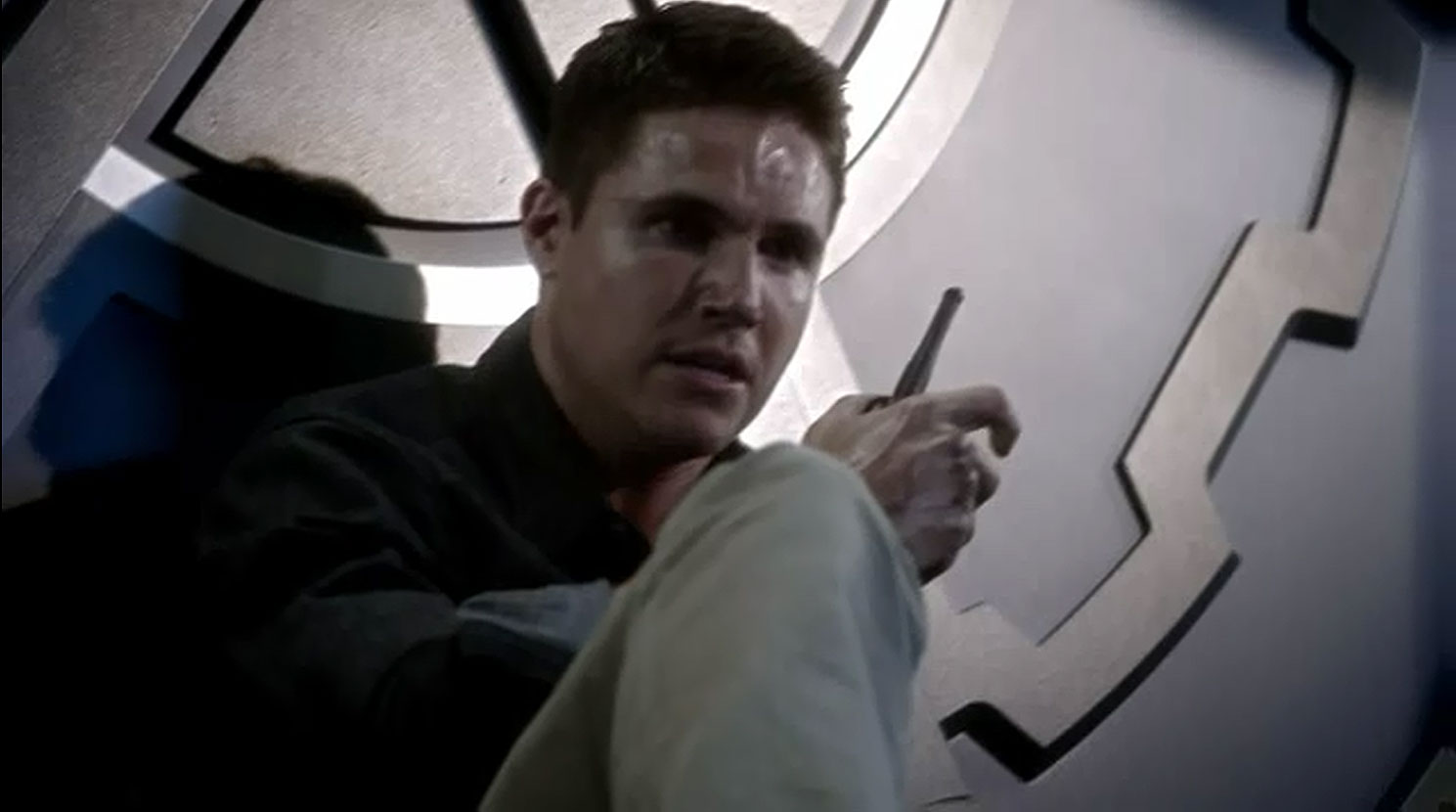 Robbie Amell as Ronnie Raymond in The Flash