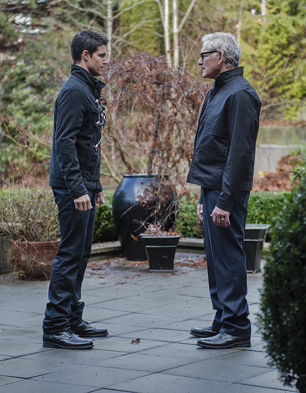 The Flash with Firestorm - Robbie Amell as Ronnie Raymond and Victor Garber as Professor Martin Stein