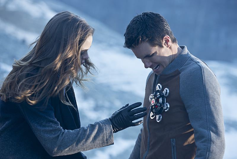 The Flash - Danielle Panabaker as Caitlin Snow and Robbie Amell as Ronnie Raymond Firestorm