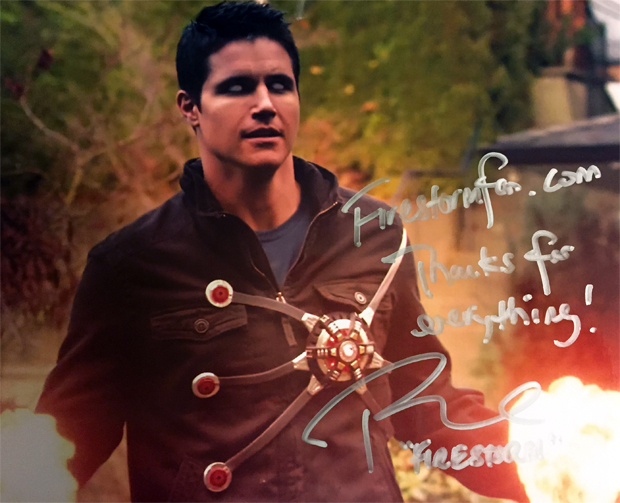 Robbie Amell - Ronnie Raymond - Firestorm on The Flash autograph