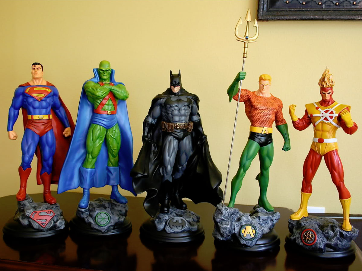 Averone's JLA custom statue collection